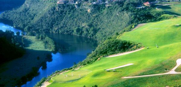 MAXIMUM Golfreisen Golfplatz Dye Fore